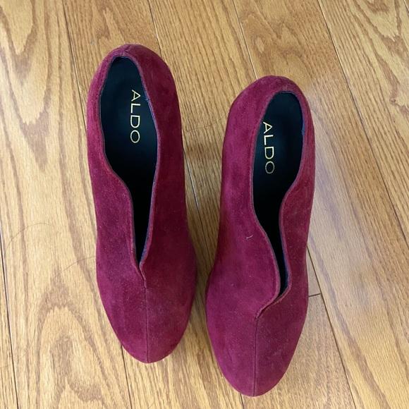 ALDO suede boots/closed toe heels